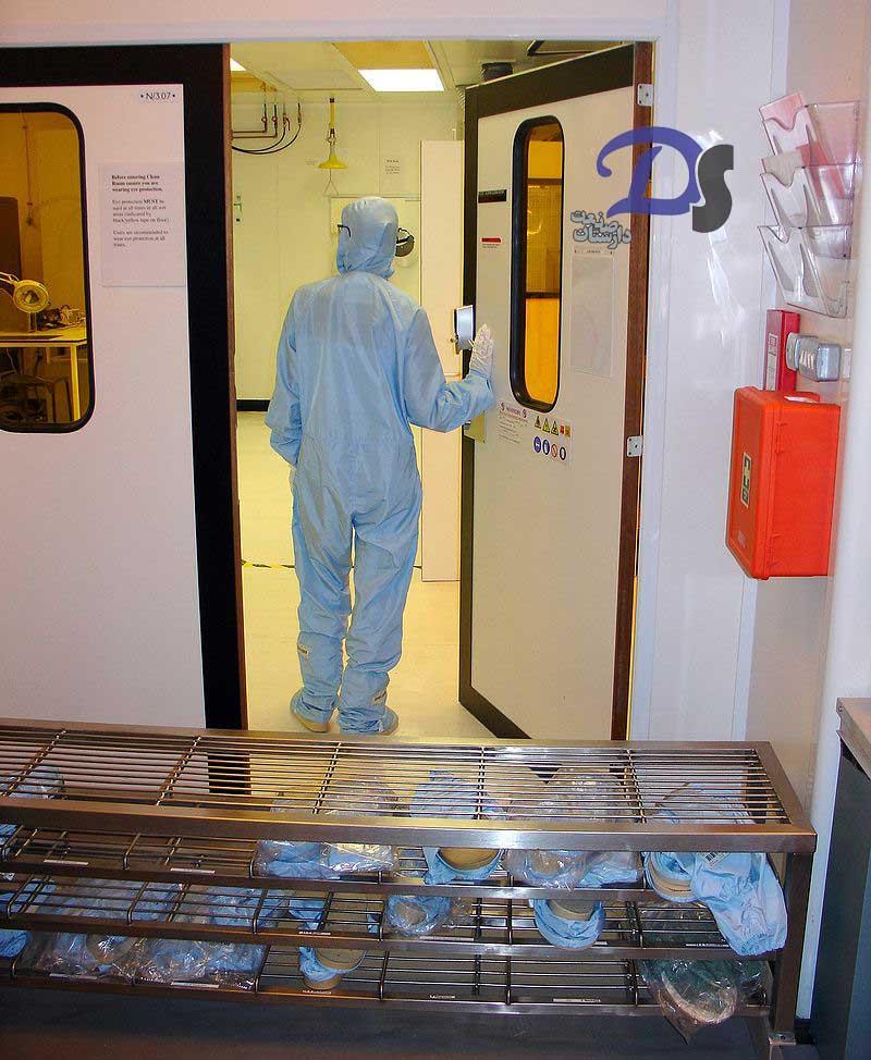 ورودی اتاق تمیز دانشگاه کاردیف